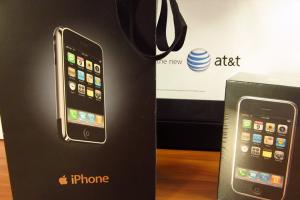 驚人天價!初代 iPhone 售價飆破 2 萬美元