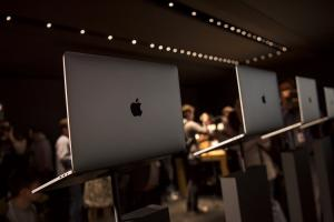 MacBook Pro 續航力為什麼爛?Apple 承認:原因出在 Safari