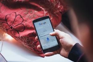 想找盜版片難了,Google、Bing 聯手修改搜尋結果!