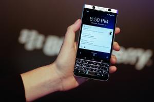 黑莓新機 KEYone 的一大特色,能挑戰 iPhone 7、Galaxy S7?
