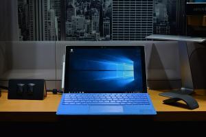 LINE 談公事會抓狂?微軟 Microsoft Teams 登台救企業!