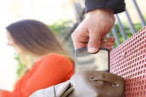 別花冤枉錢!簡單一招確認買到的二手 iPhone 不是贓品