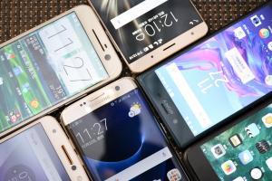 換手機先等等!2017 下半年還有這 5 款手機值得期待!