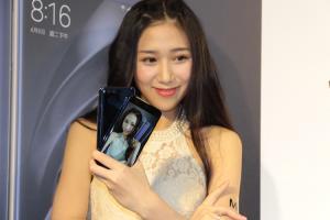 小米 6、小米 Max 2 台灣售價公布!米家全景相機也登場!