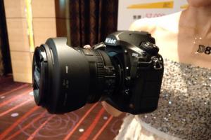 4,575 萬高畫素機皇!Nikon D850 在台推出