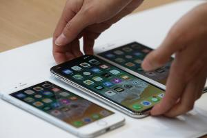 App 畫面可能出現問題!原因出在 iPhone X 無邊框螢幕上方缺口