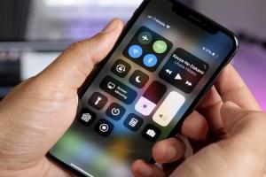 iPhone X 天冷螢幕失靈有解了!蘋果正式發佈 iOS 11.1.2