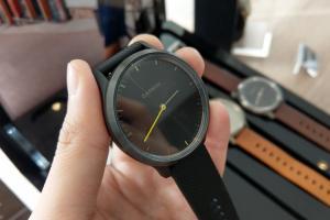 (影音)無科技感指針外型!Garmin 智慧錶「vivomove HR」登場