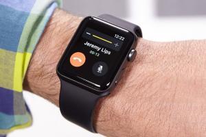 Apple Watch LTE 保你一命!沒有網路也能撥打緊急電話