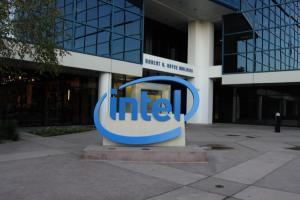 全球 PC 警戒!Intel 處理器爆漏洞、修補後恐「大降速」