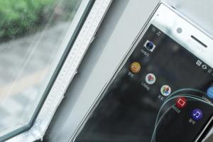 最快 2 月底現身?韓媒:Sony 新手機將使用「柔性」OLED 面板
