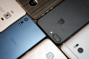 三星、Sony都失守了?台灣手機十大品牌年度熱銷榜大洗牌