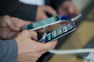 4G上網使用調查報告!滑手機最愛用的功能排名第一的是...