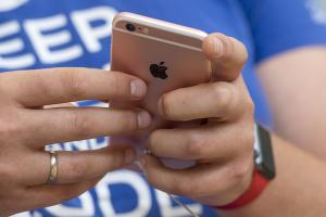 果粉忠誠度變了?市調:iOS 越來越難吸引 Android用戶跳槽原因是...