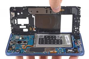 三星 Galaxy S9 Plus 拆解報告出爐 !電池規格與 「舊機」相同?