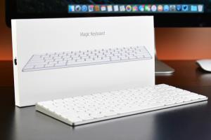 再也不怕卡屑!Apple 鍵盤新專利,打字自動彈出髒污!