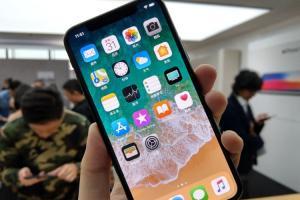 iOS 11 問題太多?蘋果 iPhone X 新廣告糗自曝 Bug