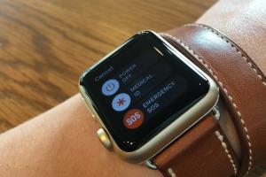 網友誤觸 Apple Watch SOS 功能,醒來發現這下糗大了...