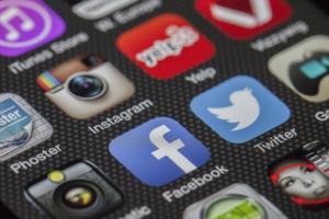 臉書玩心理測驗被爆 5 千萬筆個資流出!快速 2 招避開釣魚風險