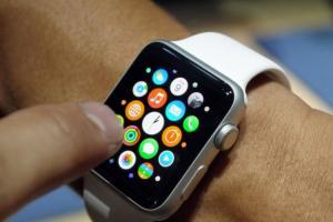 Apple Watch  2 傳電池膨脹災情!蘋果將免費提供電池更換
