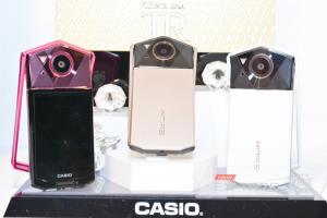 Casio「自拍神器」將走入歷史?卡西歐宣佈退出小型數位相機市場