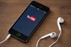 手機關閉螢幕也能播 YouTube 音樂!用這 2招就可以!