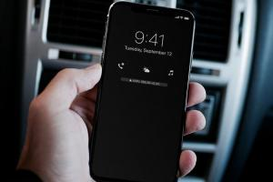 iOS 12 更新諜照流出!意外透露 iPhone SE 2 即將登場?