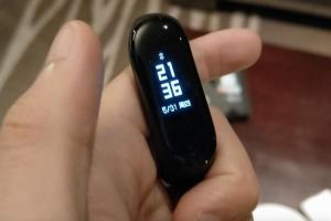 900 元有找搭運動偵測!「小米手環3」17 天賣破百萬支