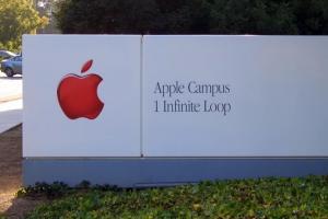 蘋果為什麼是「蘋果」?這些科技巨擘的名字原來是這樣來的…