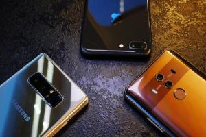 全螢幕、雙鏡頭成主流!下半年 4 款旗艦手機值得期待