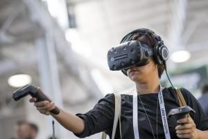 新款 VR 頭盔將改用 USB-C 接頭與 PC連接!5大科技巨頭攜手推新標準