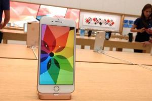 4.7 吋真的要被淘汰了?傳未上市 3 款 iPhone 螢幕零件照曝光