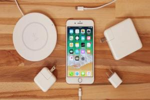 iPhone 也能用 MacBook 無線充電?全靠蘋果這項黑科技