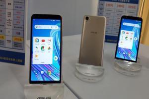 iPhone X 買氣退燒!台灣手機最新榜單出爐、華碩新機竄升 Android熱銷王