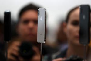 4.7 吋、實體 Home 鍵走入歷史!新一代 iPhone X 系列 3 款新機命名大改