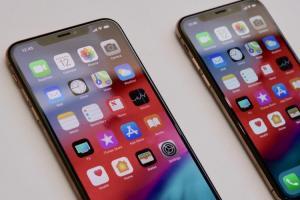 iPhone Xs 預購仍瘋!開賣半小時不到, 5 萬元機型還得等 3 週!