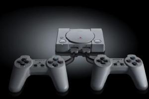 「骨灰級」SONY PS 傳奇主機大復活了!迷你復刻版搭 20 款經典遊戲將登台上市