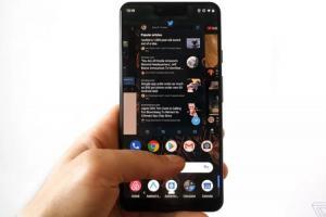 滑手機用「黑暗模式」真的比較省電?Google 揭曉數據實測結果