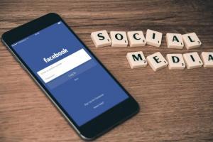 免打卡、直接猜你去哪!臉書新專利揭 3 招位置預測技術