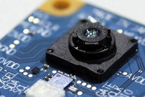 因為 Apple 感興趣?彭博:Sony 擬擴大 3D 相機傳感器生產規模