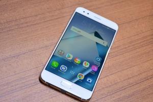 ASUS 華碩透露今年 ZenFone 規劃:將往兩方向發展