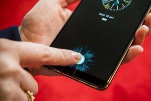 「整片螢幕」都能指紋辨識!iPhone新專利有望讓Touch ID復活
