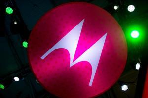 Motorola要在MWC大會賣情懷?算上復活的「摺疊神機」有 3 大看點