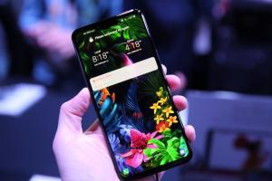 (影音)LG 把「魔術」都藏在劉海!全球首款會「認手」的手機 G8 ThinQ 亮相