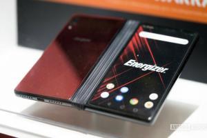 摺疊手機都很貴?勁量這款比iPhone XS還便宜...還有10,000mAh大電量