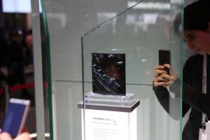 韓媒爆:蘋果、Google 7.2 吋摺疊手機要來了?