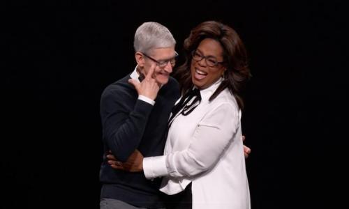 蘋果發表會最感人的一刻!「她」上台致詞讓庫克都落淚