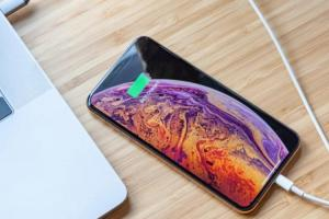 神準分析師又爆料:2019 新 iPhone 電池容量將增大、還多這個新功能!