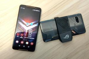 轉型就靠它?華碩第二代電競手機 ROG Phone 有望第三季登場