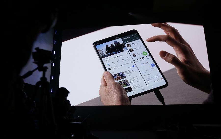可放進口袋的 iPad mini?三星 Galaxy Fold 外媒初體驗後這樣說